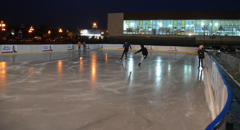 Inne Sporty, Ciechanowskie lodowisko czynne święta - zdjęcie, fotografia
