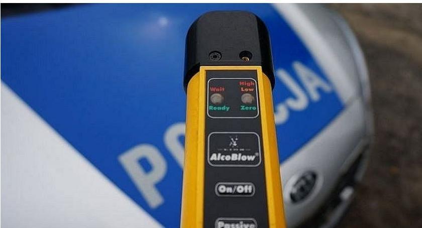 Pijani Kierowcy, Noworoczna wpadka pijanego kierowcy gminie Glinojeck - zdjęcie, fotografia