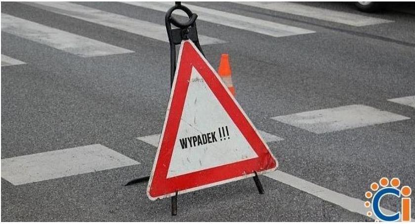 Wypadki drogowe, Zderzenie samochodów skrzyżowaniu Ciechanowie Sprawcą latek - zdjęcie, fotografia