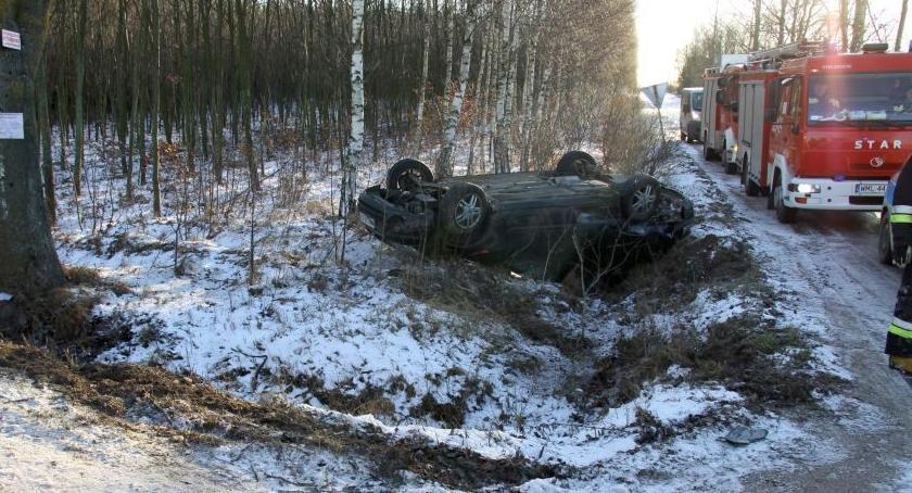 Wypadki drogowe, Sześć osób szpitalu zderzeniu Forda Oplem [zdjęcia] - zdjęcie, fotografia