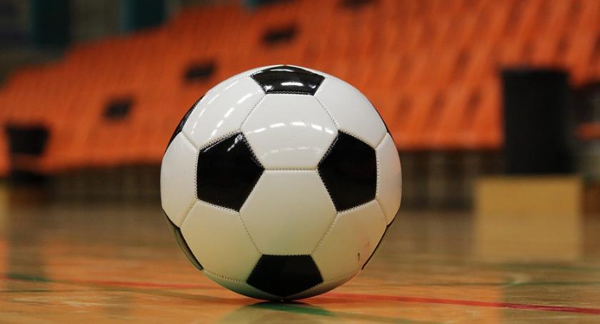 Piłka Nożna, Druga edycja Gminnej Halowej Regiminie Ruszyły zapisy - zdjęcie, fotografia