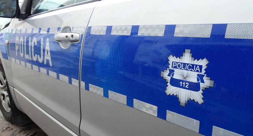 Działania Prewencyjne, Policjanci Ciechanowa uratowali latka przed zamarznięciem - zdjęcie, fotografia