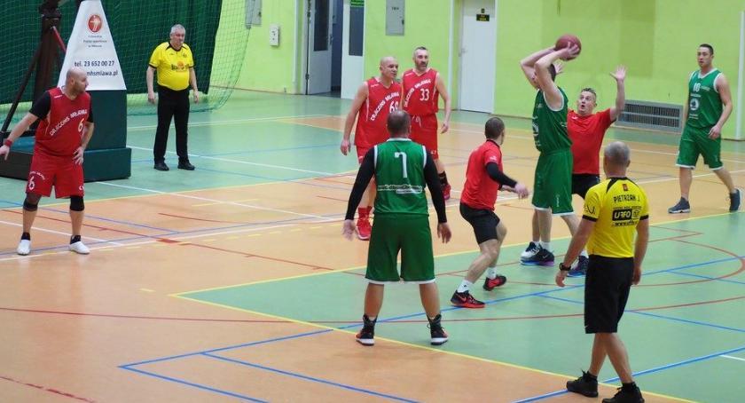 Koszykówka, Siedem siedem mocnych MOSiR Ciechanów - zdjęcie, fotografia