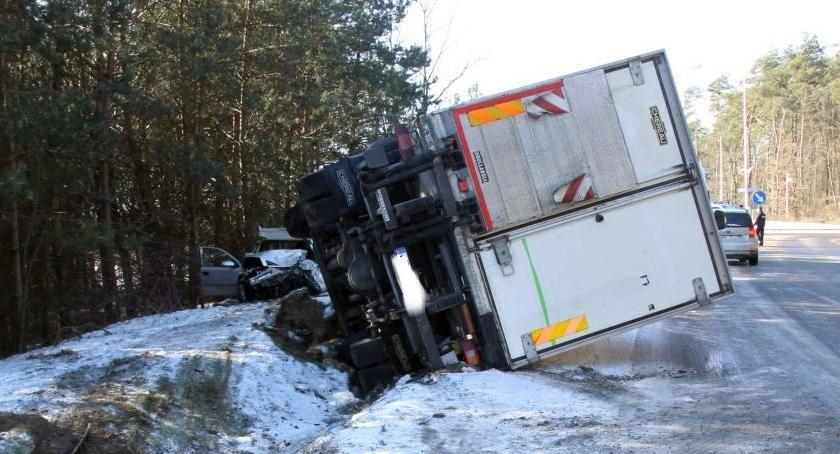 Wypadki drogowe, Ciężarówka uderzyła latek zginął miejscu - zdjęcie, fotografia