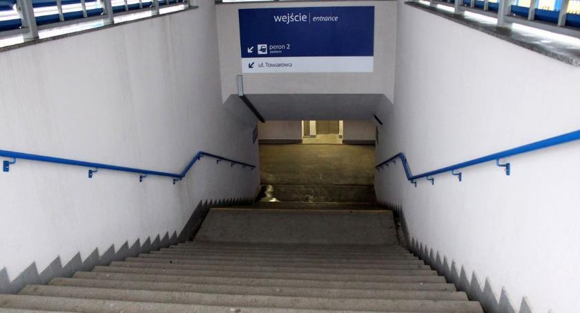 Społeczeństwo, Wybierasz podróż pociągiem Ciechanowa Powiadom przewoźnika wcześniej! - zdjęcie, fotografia
