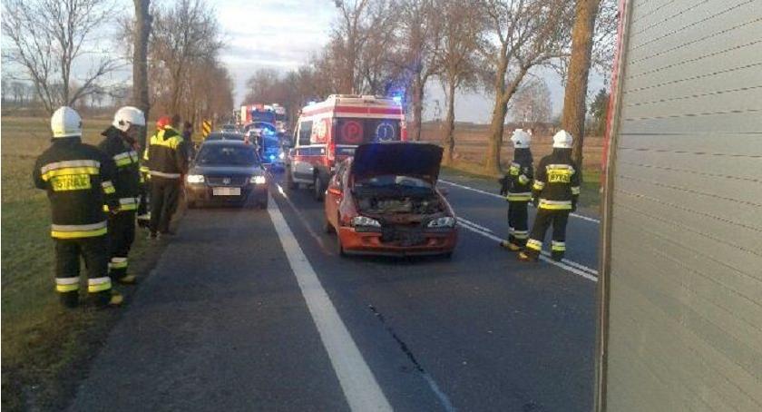Wypadki drogowe, Uwaga! Wypadek utrudnienia ruchu krajówce - zdjęcie, fotografia