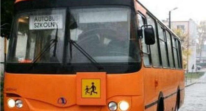 Pijani Kierowcy, Kompletnie pijany przewoził dzieci autobusem szkolnym - zdjęcie, fotografia