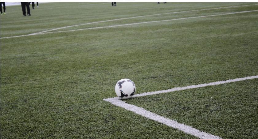 Piłka Nożna, Kryształ Glinojeck ukarany zachowanie kibiców - zdjęcie, fotografia