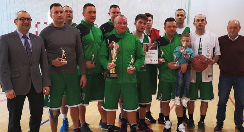 Koszykówka, Koszykarze Ciechanowa triumfują Przasnyszu - zdjęcie, fotografia