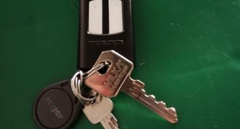 Prośby i apele, Wasze Ciechanowie znaleziono klucze pilotem - zdjęcie, fotografia