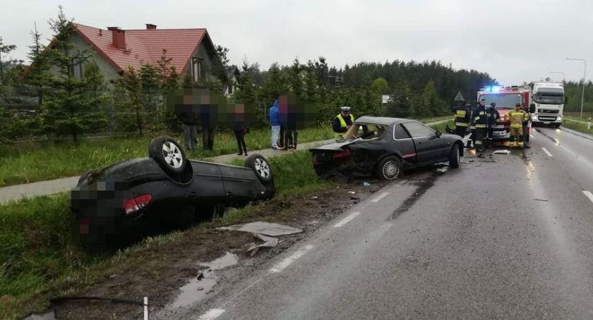 Wypadki drogowe, Wypadek podczas wyprzedzania Jedno dachowało [zdjęcia] - zdjęcie, fotografia