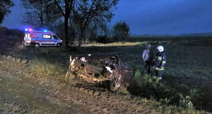 Wypadki drogowe, wjechał aucie matka małym dzieckiem [zdjęcia] - zdjęcie, fotografia