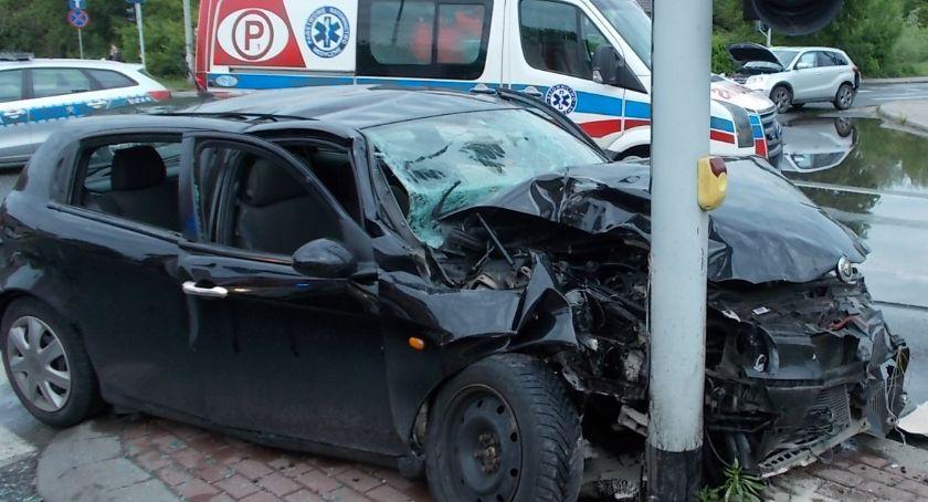 Wypadki drogowe, Awaria sygnalizacji groźna kolizja wiadukcie Ciechanowie [zdjęcia] - zdjęcie, fotografia