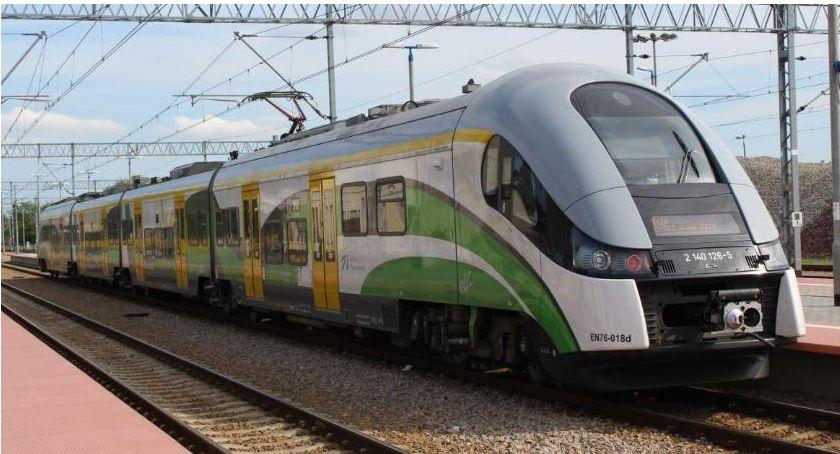 Komunikacja Publiczna, Uwaga! Odwołane pociągi linii Warszawa Ciechanów - zdjęcie, fotografia
