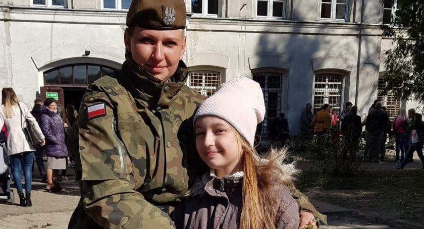 Wywiady, żołnierzem rozmowa matkami które postanowiły założyć mundur - zdjęcie, fotografia