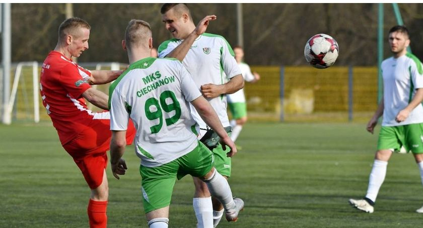 Piłka Nożna, Wysoka porażka Łomiankach [wideo] - zdjęcie, fotografia