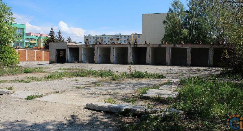Inwestycje, Mieszkańcy osiedla czekają dodatkowe parkingi Miasto ogłosiło przetarg - zdjęcie, fotografia