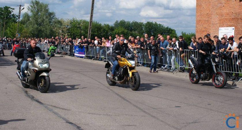 Motoryzacja, Motocykliści weekend opanują Ciechanów - zdjęcie, fotografia