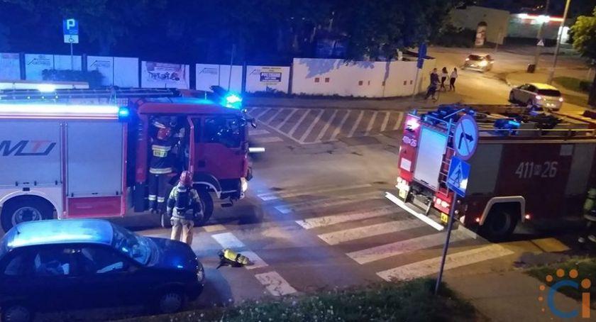 Interwencje, Wasze Pożar bloku Mieszkańcy Ciechanowa uratowali swojego sąsiada - zdjęcie, fotografia