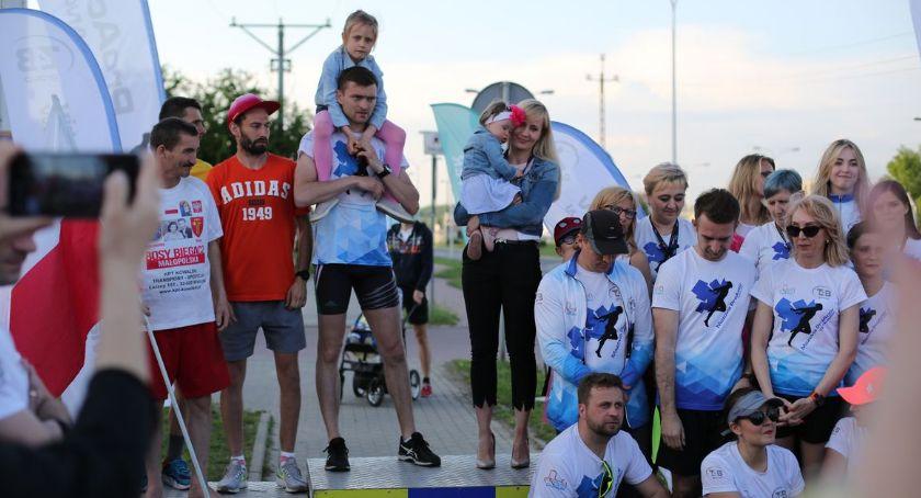Bieganie, Rekordowa sztafeta Ciechanowie Ponad osób pobiegło - zdjęcie, fotografia