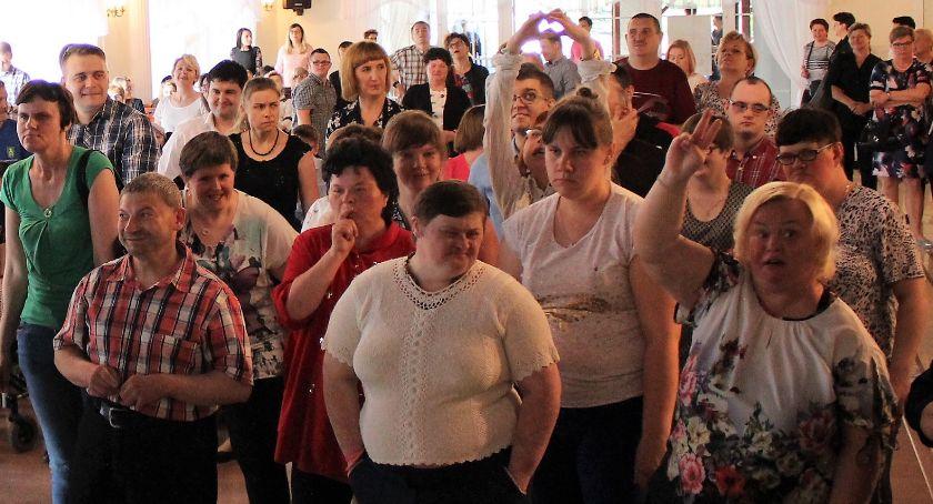 Organizacje Pozarządowe, Powiat integruje osoby niepełnosprawnościami [foto] - zdjęcie, fotografia