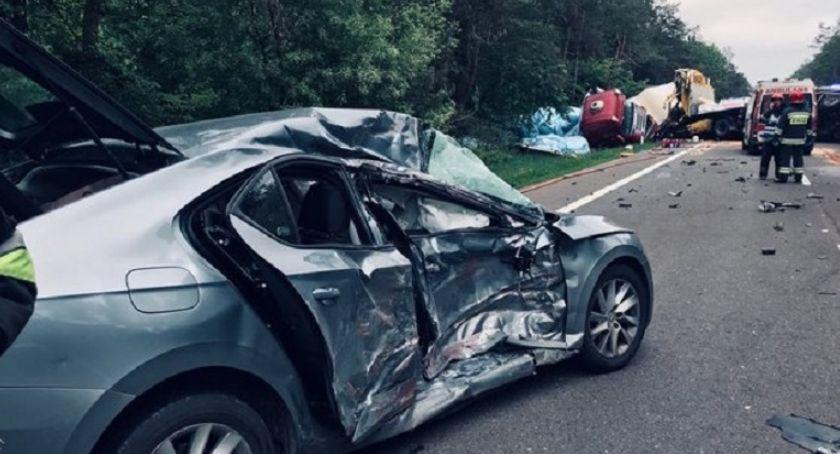 Wypadki drogowe, ciężarówki osobówka zderzyły Glinojeckiem [zdjęcia] - zdjęcie, fotografia