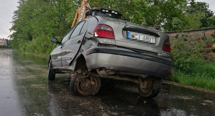 Wypadki drogowe, Omijał koparkę uderzył Hondę Kolizja Opinogórze [zdjęcia] - zdjęcie, fotografia