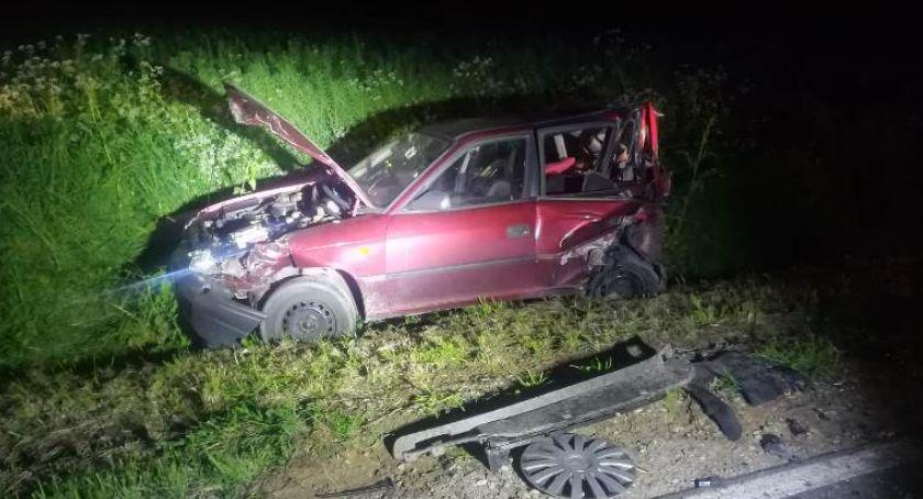 Wypadki drogowe, Groźny wypadek Regimin Zderzyły samochody [zdjęcia] - zdjęcie, fotografia