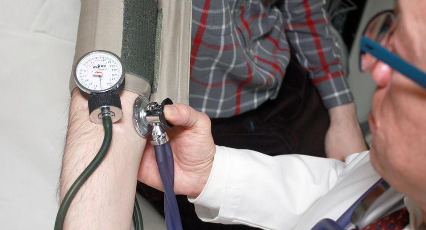Zdrowie i Uroda, Mniej zwolnień lekarskich długo chorujemy - zdjęcie, fotografia