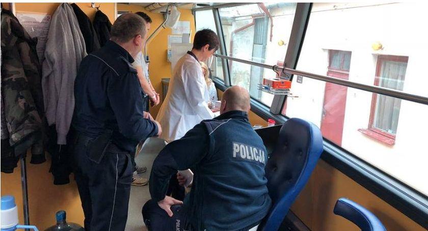 Społeczeństwo, Ciechanowska policja organizuje zbiórkę - zdjęcie, fotografia