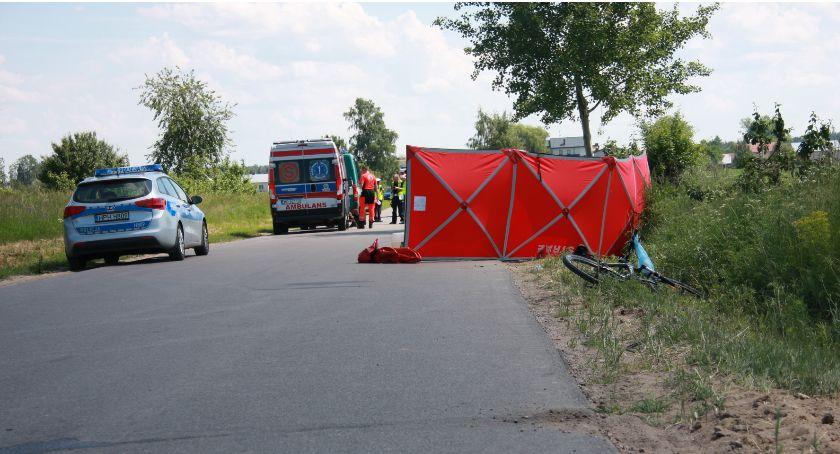 Wypadki drogowe, Tragedia drodze latek zginął kołami Citroena - zdjęcie, fotografia