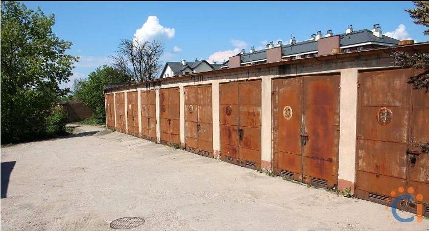 Inwestycje, wyburzajcie garaży mieszkańcy piszą petycję władz miasta - zdjęcie, fotografia