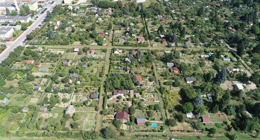 Samorząd, Ciechanowskie ogrody działkowe otrzymały dotacje miejskiej - zdjęcie, fotografia