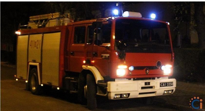 Pożary, Pożar budynku wielorodzinnym Ciechanowie Zatrzymano jedną osobę - zdjęcie, fotografia