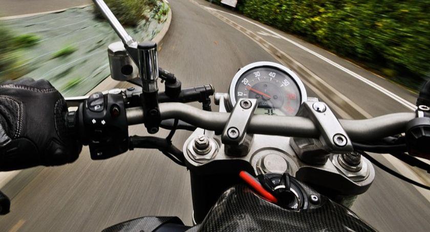 Wypadki drogowe, Uderzył latarnię Wypadek motocyklisty Ciechanowie - zdjęcie, fotografia