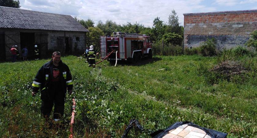 Pożary, Płonęła stodoła gminie Grudusk - zdjęcie, fotografia