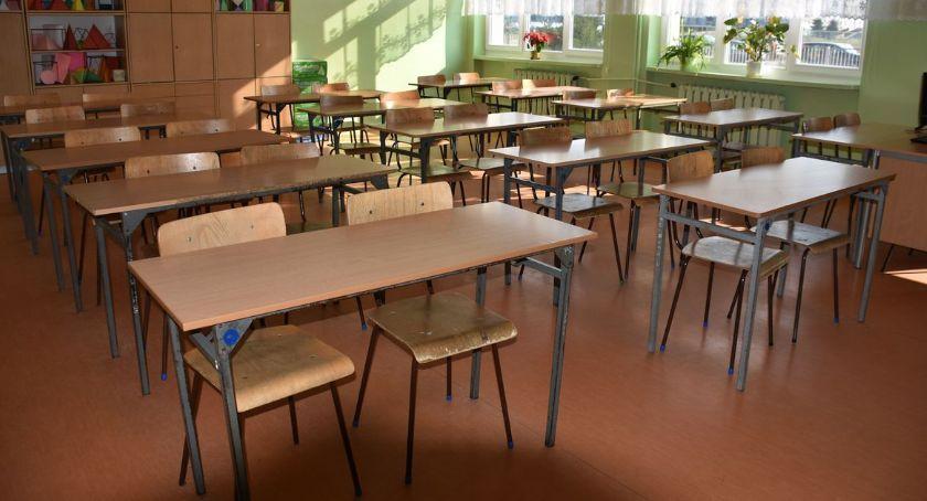 Edukacja, Wyniki rekrutacji szkół średnich Ciechanowie zabrakło miejsc uczniów - zdjęcie, fotografia