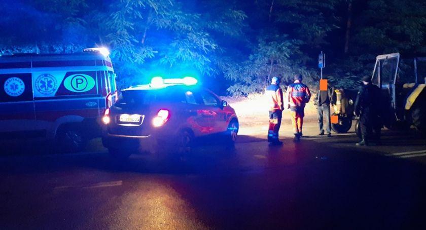 Pijani Kierowcy, Załoga karetki zatrzymała pijanego kierowcę Wcześniej zepchnął drogi [zdjęcia] - zdjęcie, fotografia