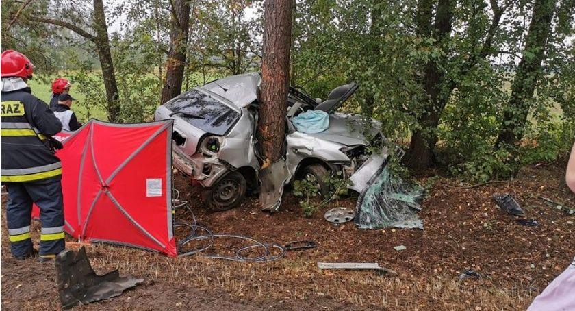 Wypadki drogowe, Tragiczny wypadek poranku [zdjęcia] - zdjęcie, fotografia