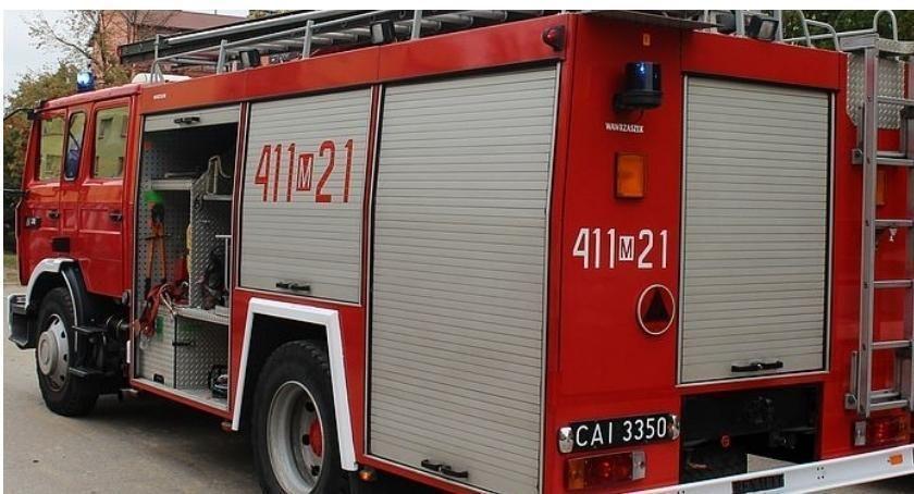 Pozostałe Interwencje, Strażacy ugasili pożar samochodu który później uderzył - zdjęcie, fotografia