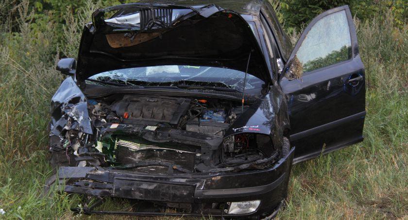 Wypadki drogowe, letnia kierująca ustąpiła pierwszeństwa osoby ranne [zdjęcia] - zdjęcie, fotografia