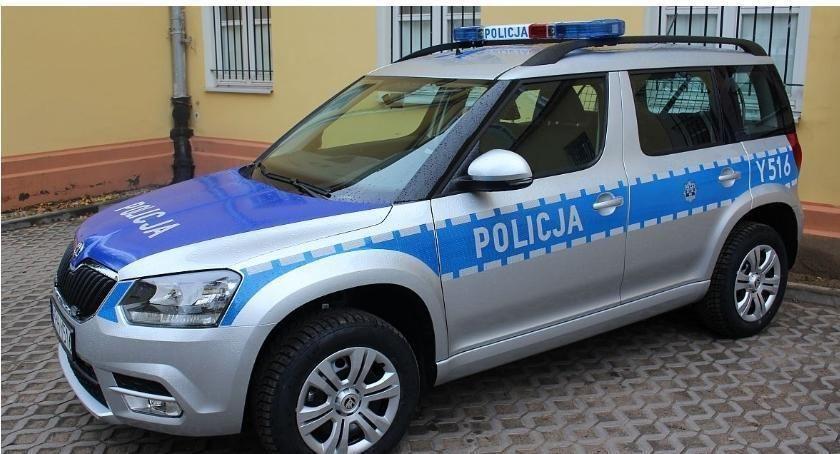 Wypadki drogowe, Kolizja udziałem radiowozu Ciechanowem - zdjęcie, fotografia