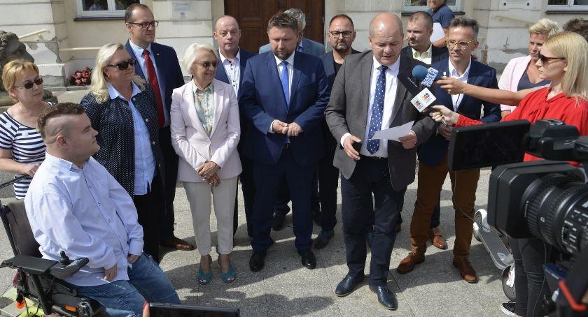 Wybory, Dyrektor Sejmu dyrektor szpitala Senatu Koalicja Obywatelska przedstawiła kandydatów - zdjęcie, fotografia