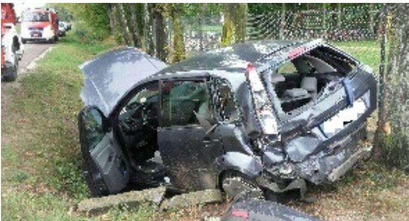 Wypadki drogowe, Wypadek pobliżu szkoły Troje nastolatków rannych - zdjęcie, fotografia