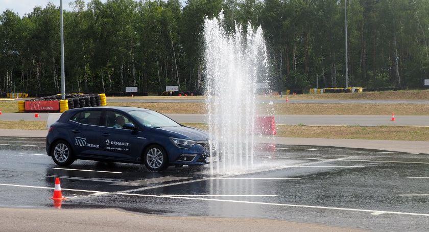 Społeczeństwo, Będą doskonalić technikę jazdy Kierowcy Ciechanowa mogą wziąć udział bezpłatnym szkoleniu - zdjęcie, fotografia