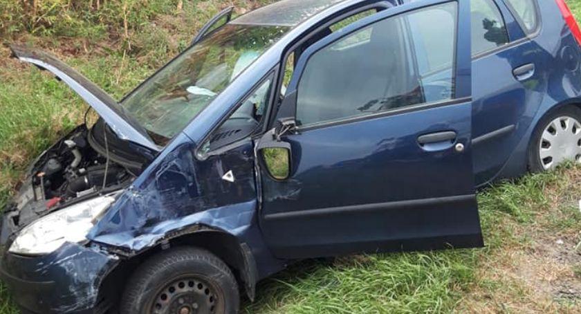 Wypadki drogowe, Samochód ciężarowy uderzył osobówkę gminie Ojrzeń [zdjęcia] - zdjęcie, fotografia