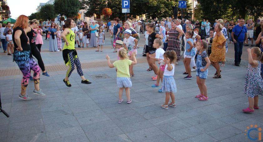 Inne Wydarzenia, Wydarzenia Warszawskiej Dziś potańcówka jutro jarmark - zdjęcie, fotografia