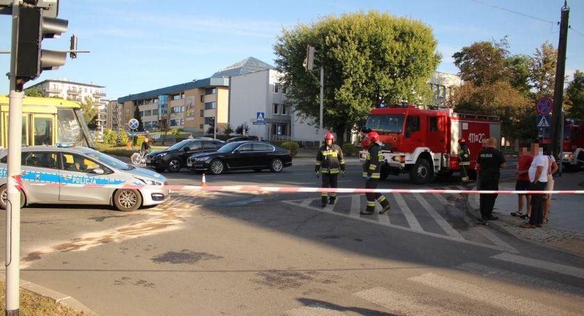 Wypadki drogowe, ostatniej chwili Zderzenie osobówek skrzyżowaniu centrum Ciechanowa [zdjęcia] - zdjęcie, fotografia