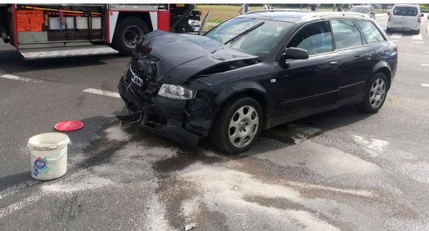 Wypadki drogowe, Wypadek pętli miejskiej osoby trafiły szpitala [zdjęcia] - zdjęcie, fotografia