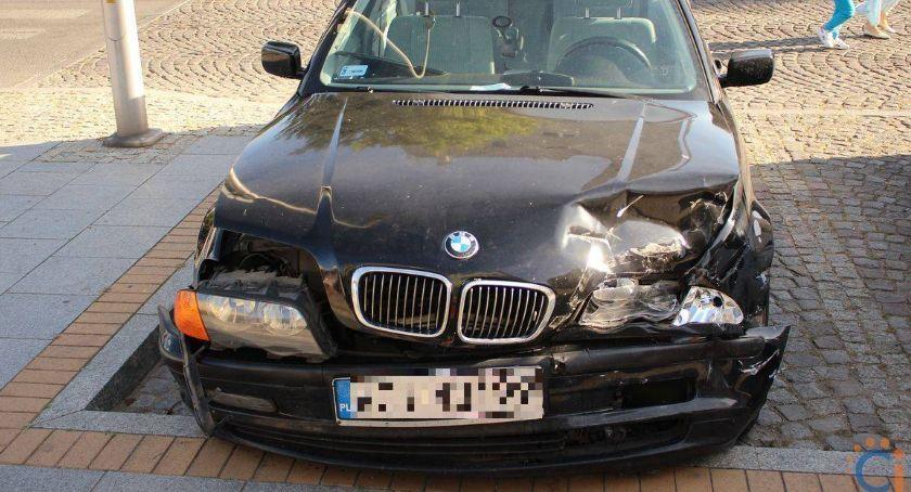 Wypadki drogowe, Zderzenie centrum Ciechanowa ustalenia policji - zdjęcie, fotografia